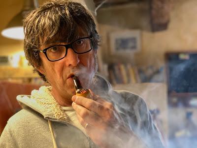Alain Pluchot, fumeur de pipe